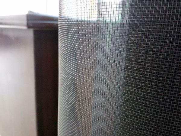 Zanzariere-per-finestre-Varese